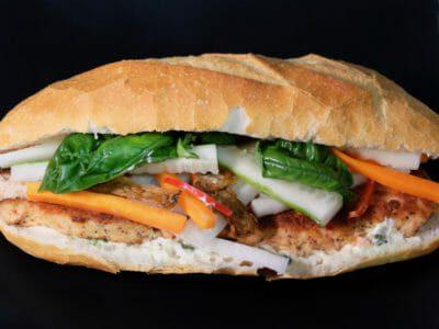 salmon-banh-mi-vietnamese-baguette-banh-mi-cha-ca