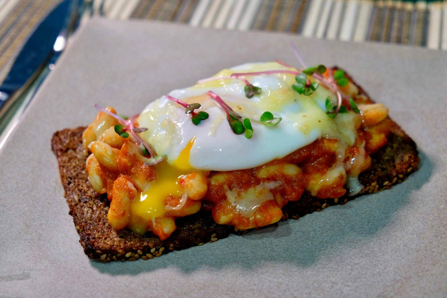 homemade-baked-beans-and-eggs-on-toast