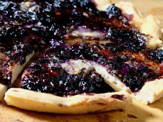 blueberry-blue-cheese-flatbread
