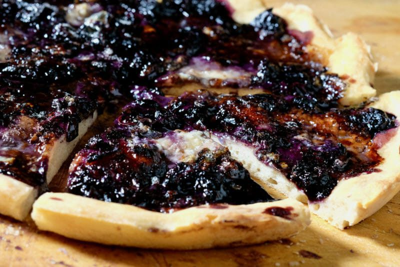 Blueberry and Roquefort flatbread Bread Dessert Featured-Recipes Inspired by the flavors of the Mediterranean Lunch Vegetarian Vegetarian