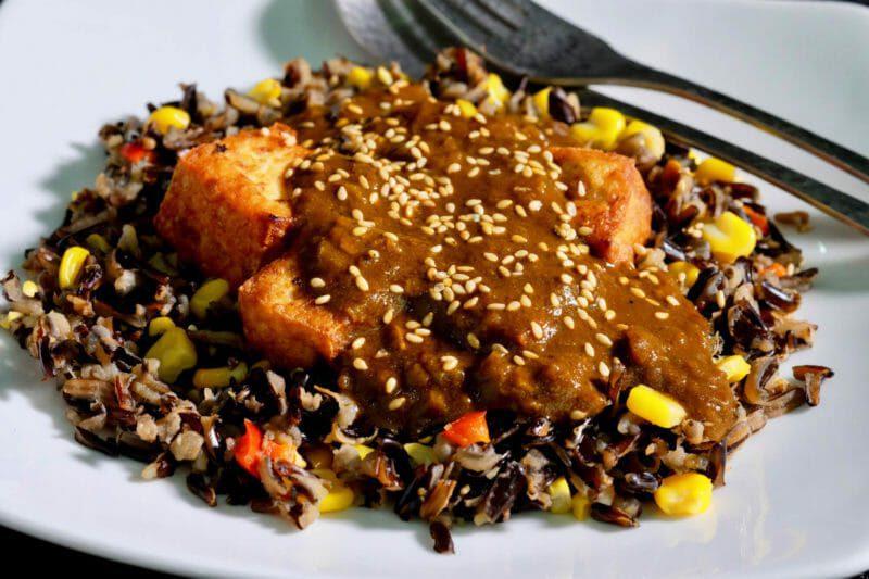 crispy-tofu-curry-sauce-wild-rice
