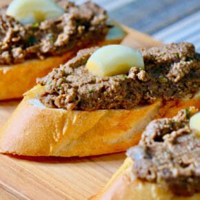 Faux gras and pickled garlic on baguette Appetiser Featured-Vegetarian Inspired by the flavors of the Mediterranean Lunch Tapas Vegetarian