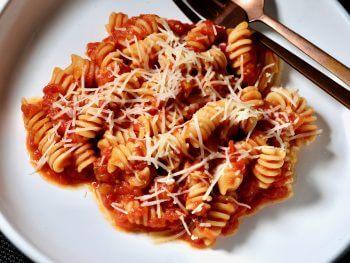 fusilli-in-tomato-sauce