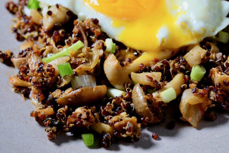 stir-fried-quinoa-kimci-mushrooms