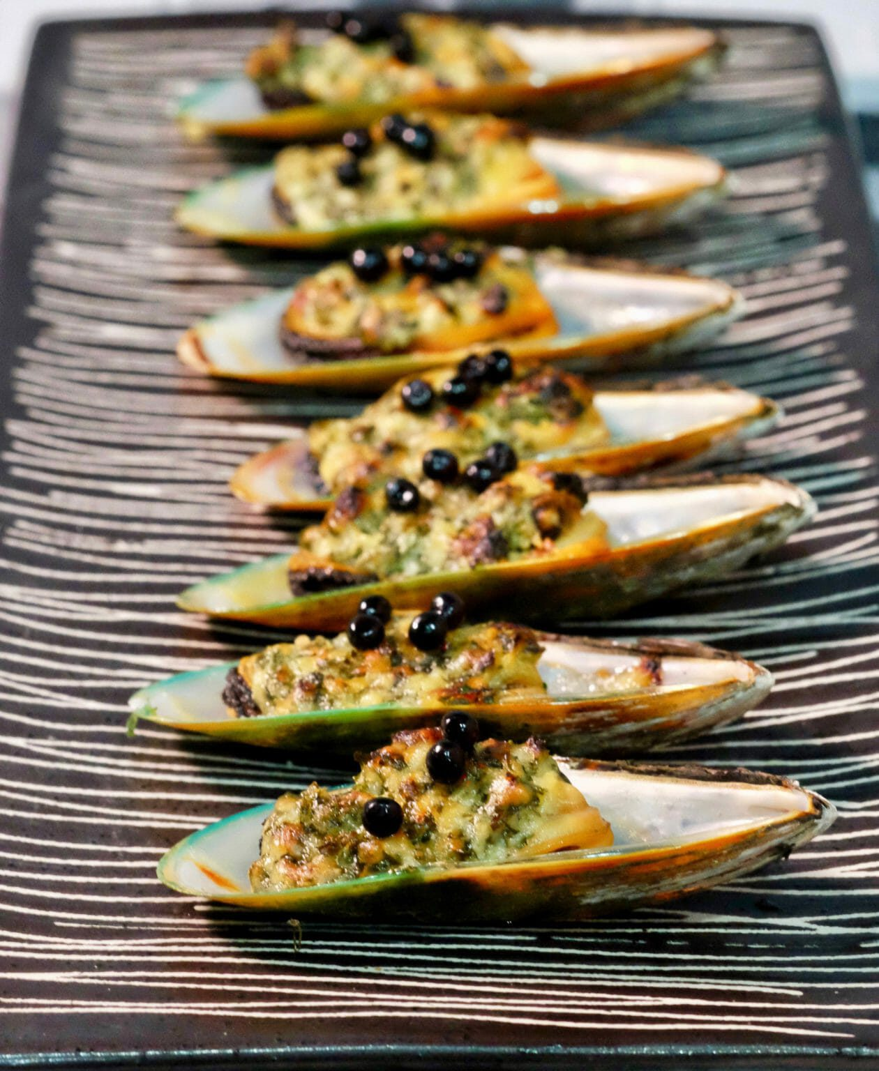 mussels -with-garlic-butter
