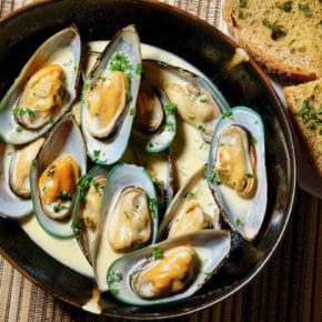 NZ Mussels steamed in wine and garlic Appetiser Featured-More Favorites Lunch Seafood Tapas
