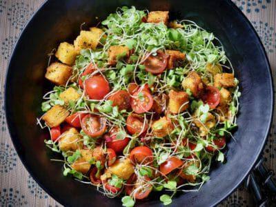 polenta-crouton-tomato-salad-balsamic-dressing