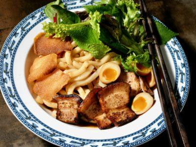 pork-udon-noodles-cao-lau
