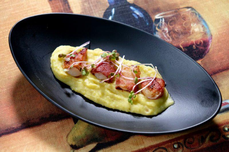 scallops-wrapped-in-pancetta-sweet-potato-puree