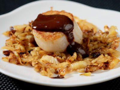 caramelised-fennel-black-garlic-sauce