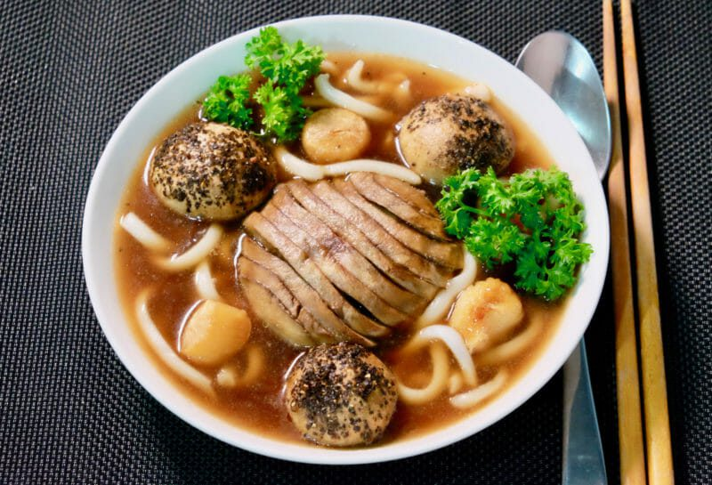 roast-garlic-smoky-mushroom-udon-soup