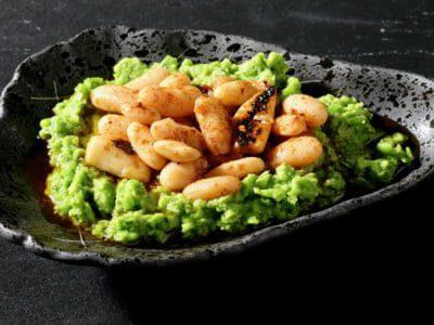 smoky-marinated-white-beans-pea-herb-mash