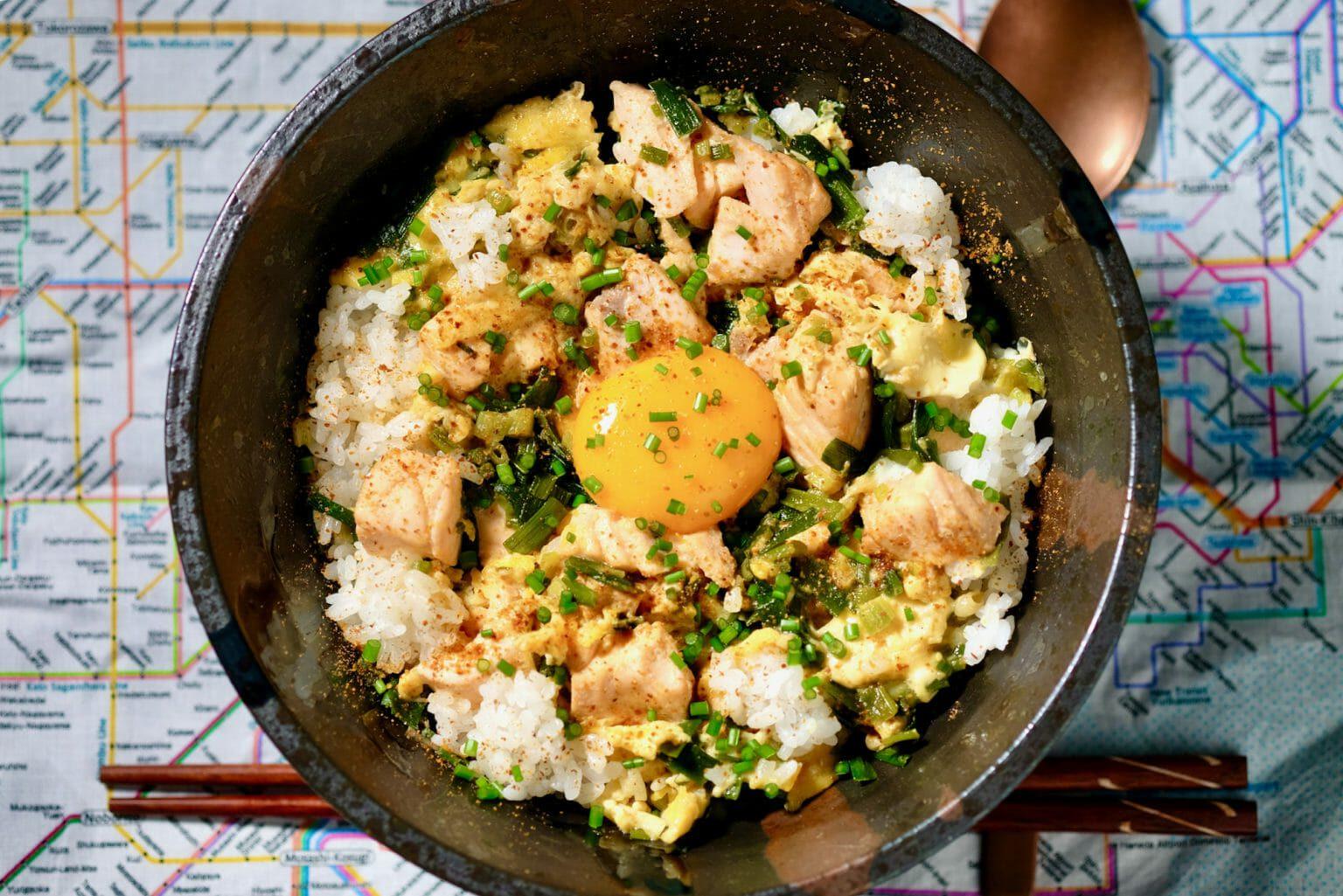 tanindon-egg-salmon-rice-bowl